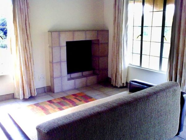 Willow-Express-Bush-Lodge-Fire-Place