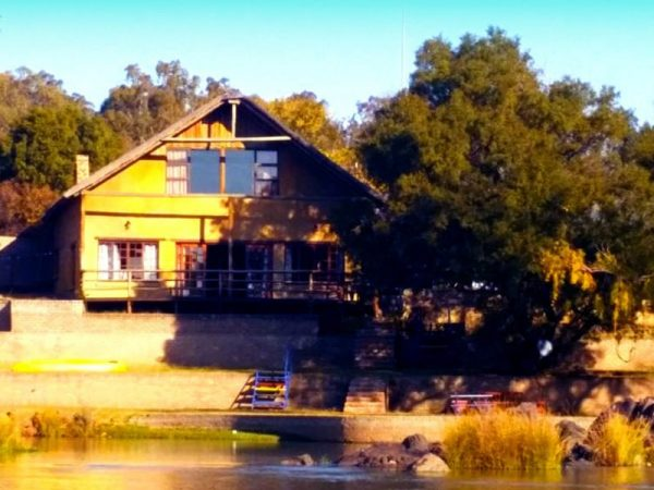 Willow-Express-Farmhouse-exterior