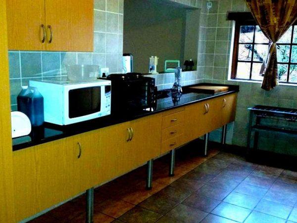 Willow-Express-Farmhouse-kitchen